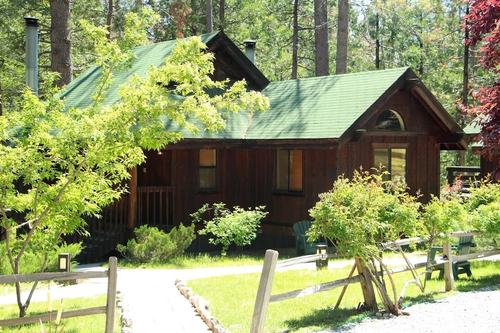 One of the guest cabins at Quiet Creek Inn