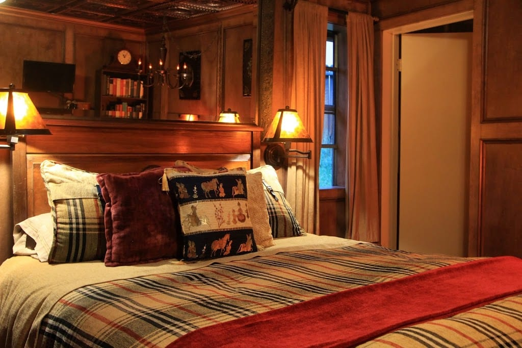 The Country Gentleman guest room