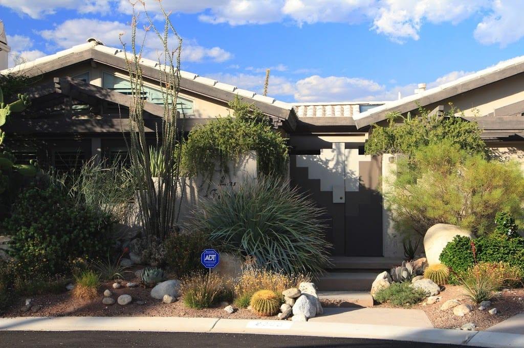 Exterior of Las Fuentes Inn & Gardens