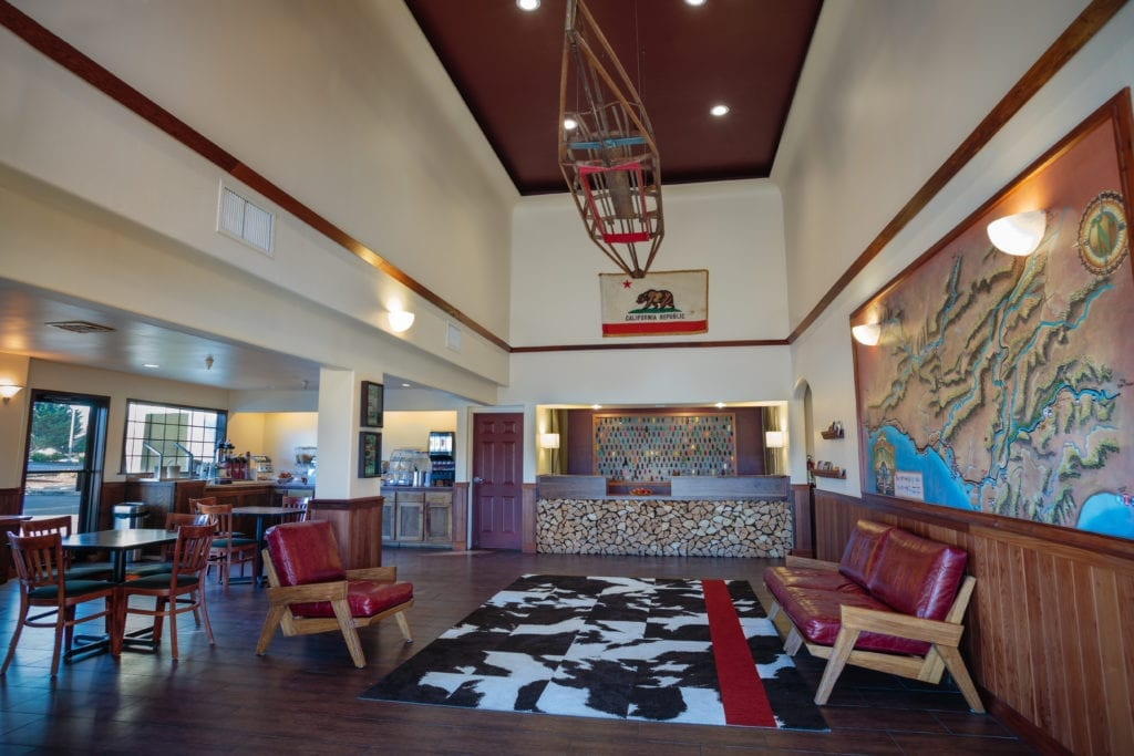 Lobby of the Redwood Riverwalk Hotel