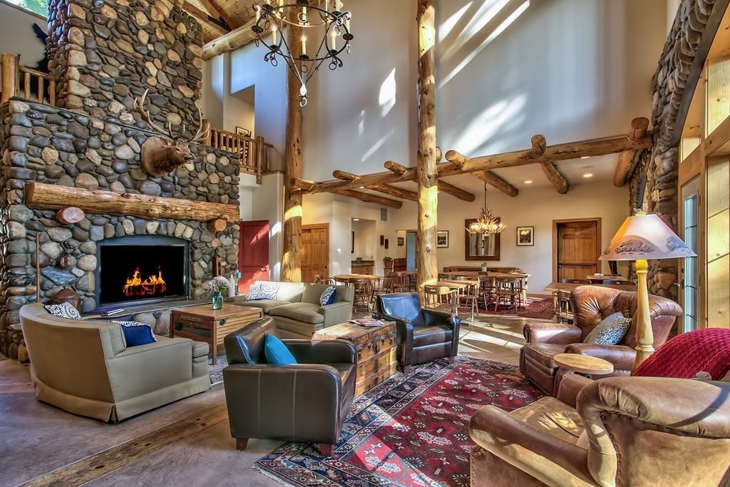 Black Bear Lodge lobby