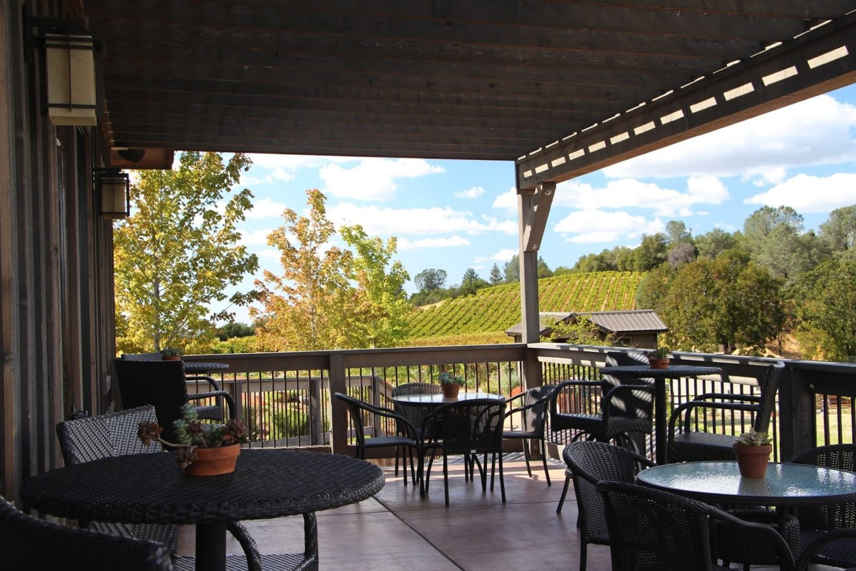 Tasting room patio at Skinner Vineyards