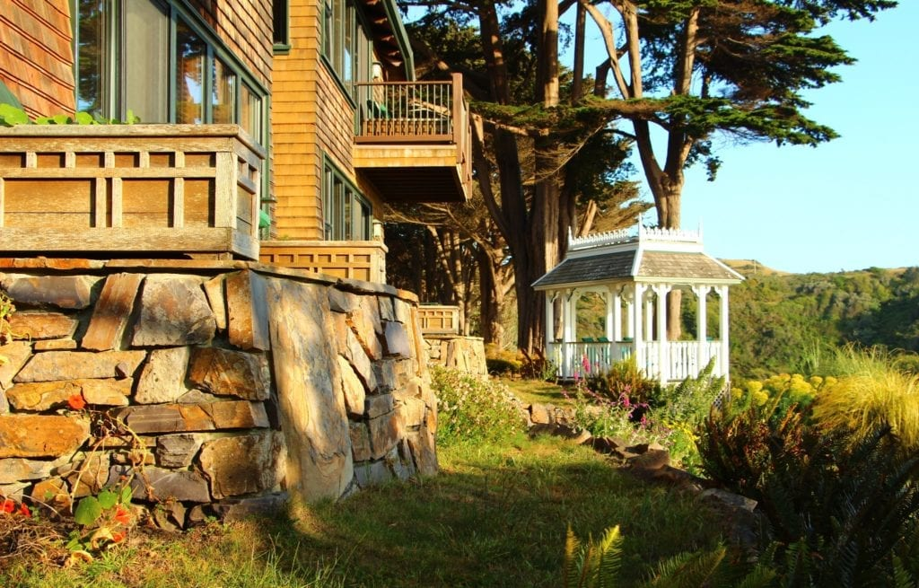 Elk Cove Inn's Oceanfront Junior Suites and gazebo