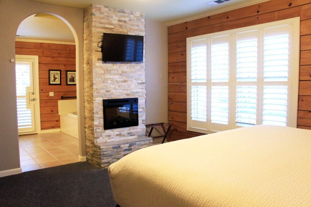 Double Eagle Suite at the Purple Orchid Wine Country Resort & Spa