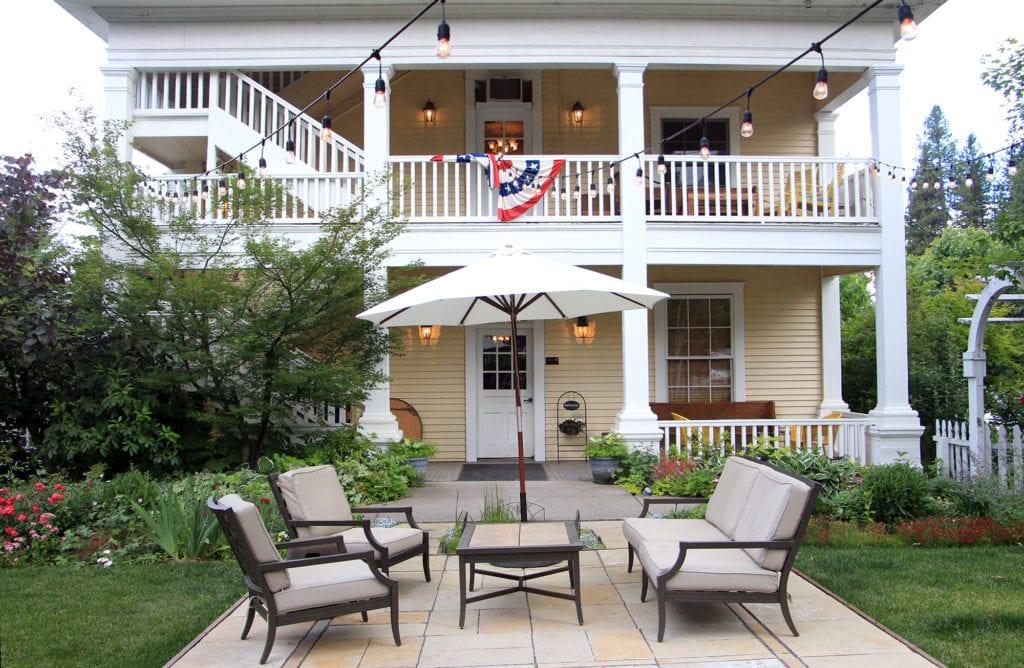 Garden patio at McCloud Hotel