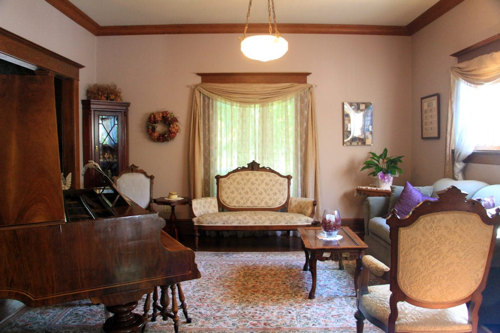 Goodman Hour parlor