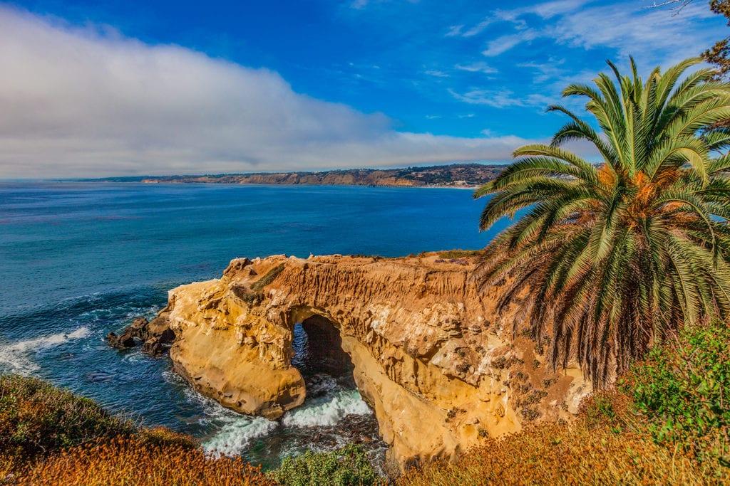 Coastal cliffs in La Jolla