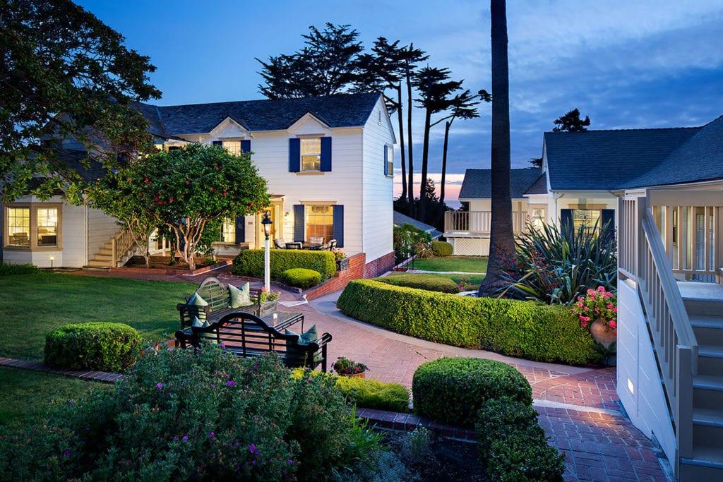 Colonial Terrace Inn in Carmel