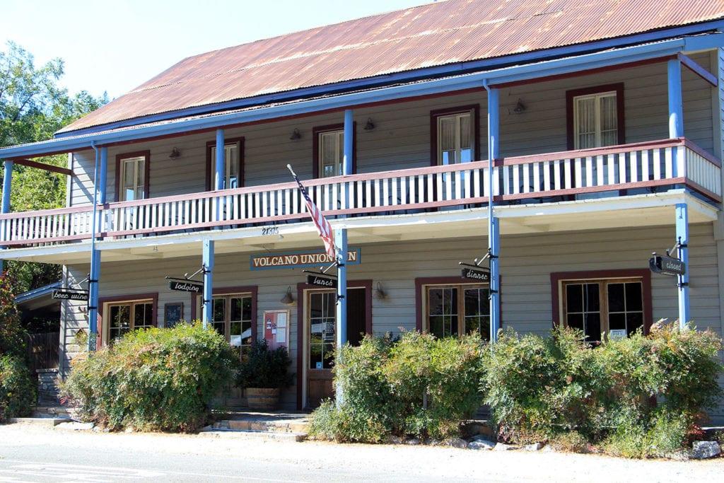 Volcano Union Inn + Pub