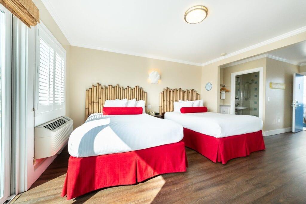 Beach Street Inn & Suites