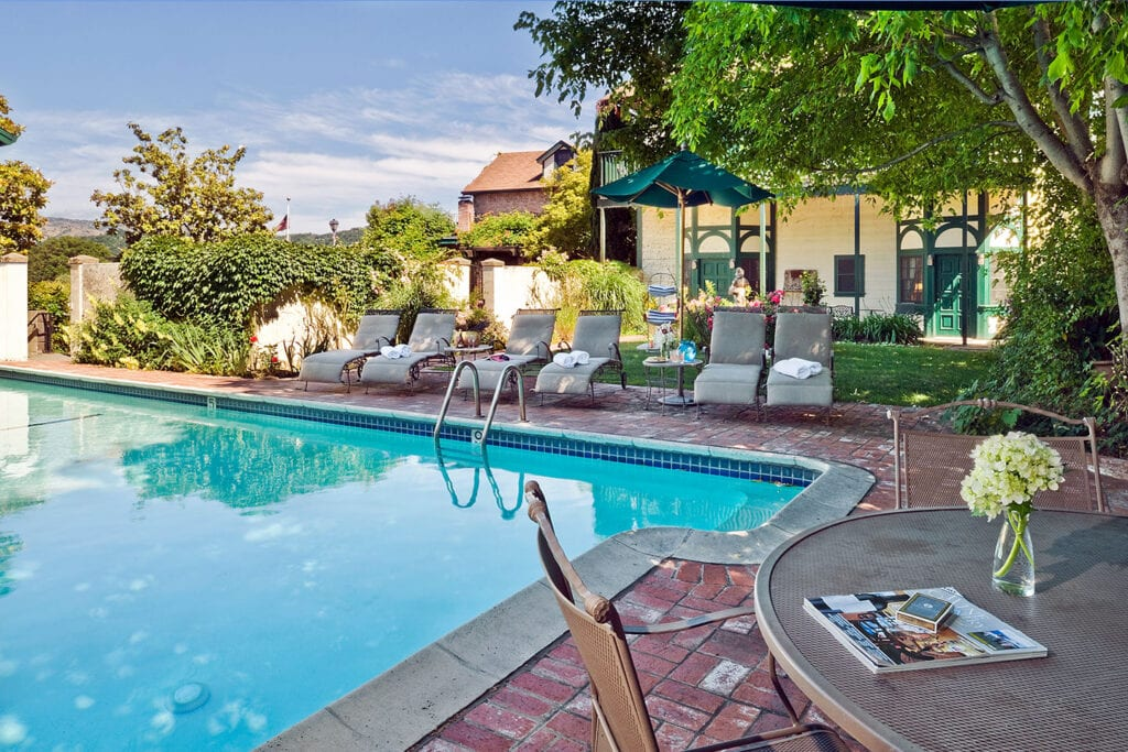 Maison Fleurie pool