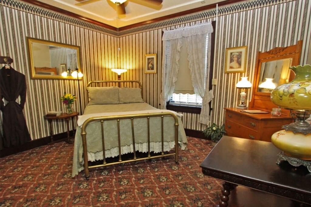 1859 Historic National Hotel