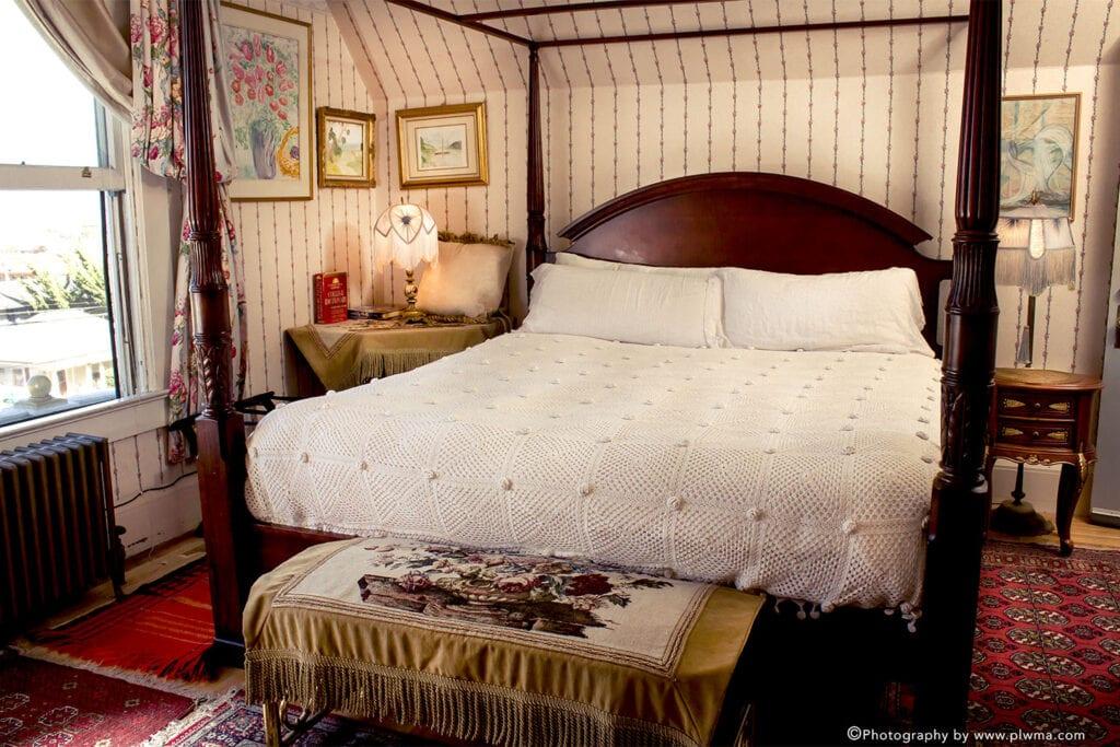 Cliff Crest Bed & Breakfast Inn