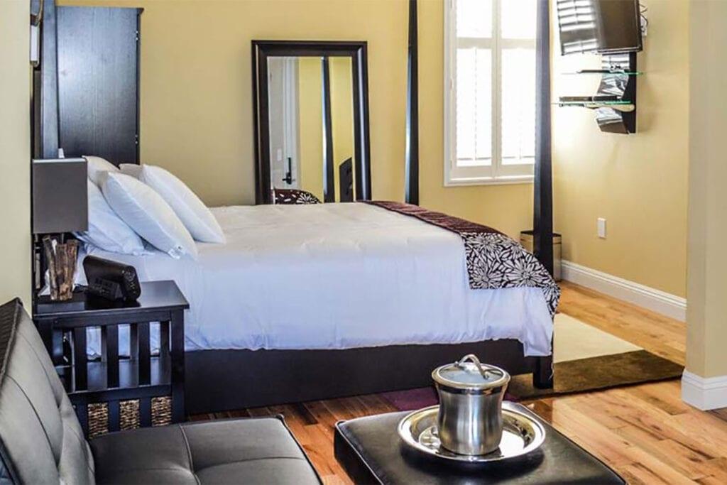 Rio Vista Inn & Suites