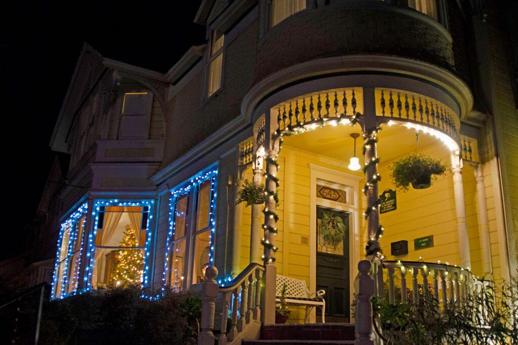 Gosby House Inn decorated for the holidays