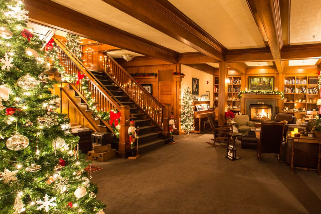 McCloud Hotel decorated for the holidays