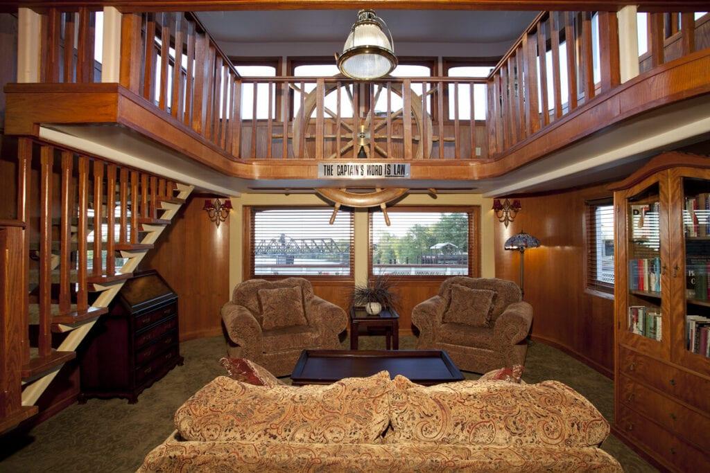 Captain's Quarters Suite at the Delta King Hotel