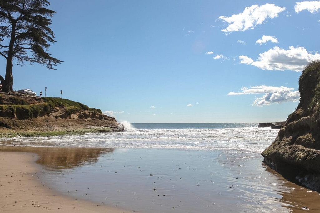 Sunny Cove Beach at Ocean Echo Inn & Beach Cottages