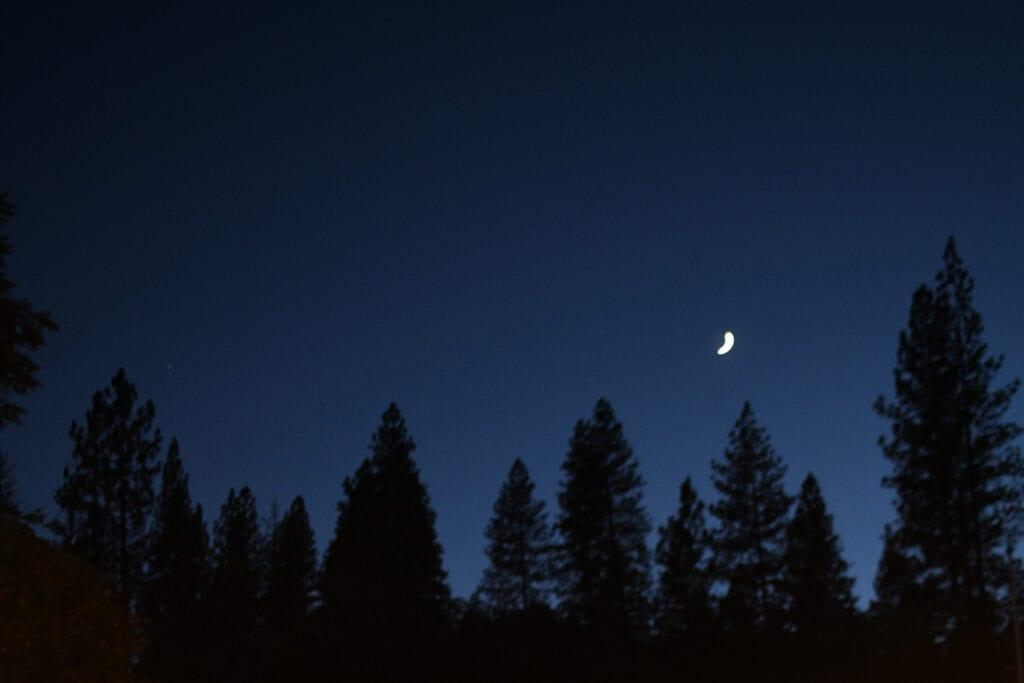 Night sky at Volcano Union Inn