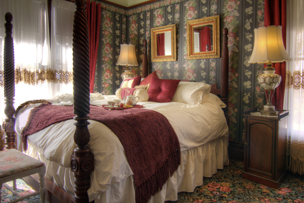 Guest room at the Gingerbread Mansion Inn