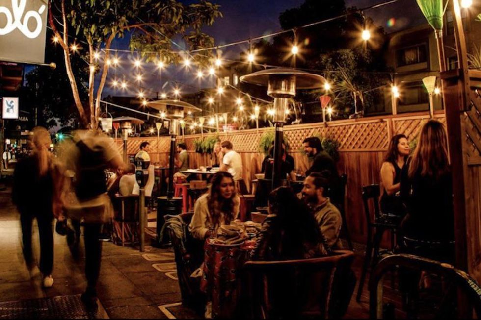 Outdoor dining at Lolo on Valencia Street